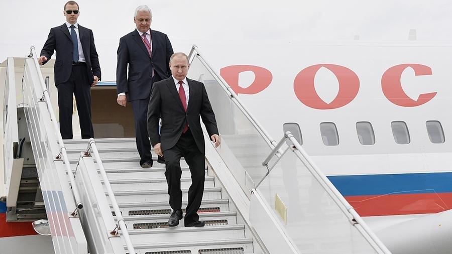 Журналисты сравнили самолеты Путина и Трампа