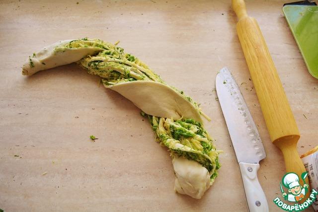 Хлеб с чесночными стрелками