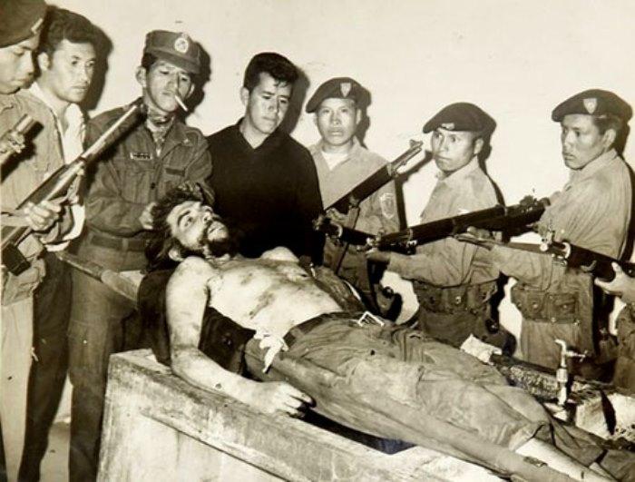 Расстрелянный Эрнесто Че Гевара | Фото: persons-info.com