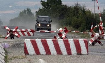 На дороге, по которой должен был проехать Захарченко, нашли 6 взрывных устройств