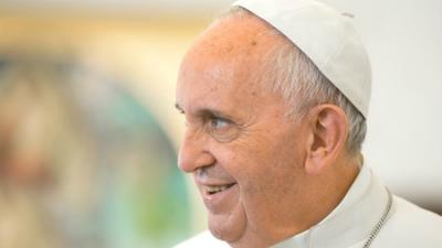 Папа римский оказался популя…