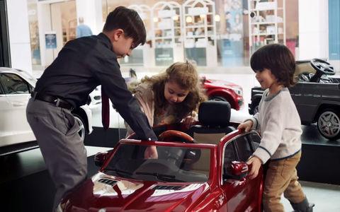 Mercedes-Benz открыл первый автосалон только для детей