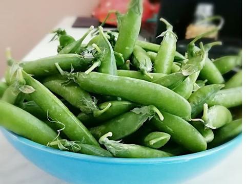 Зеленый горошек в сливочном масле