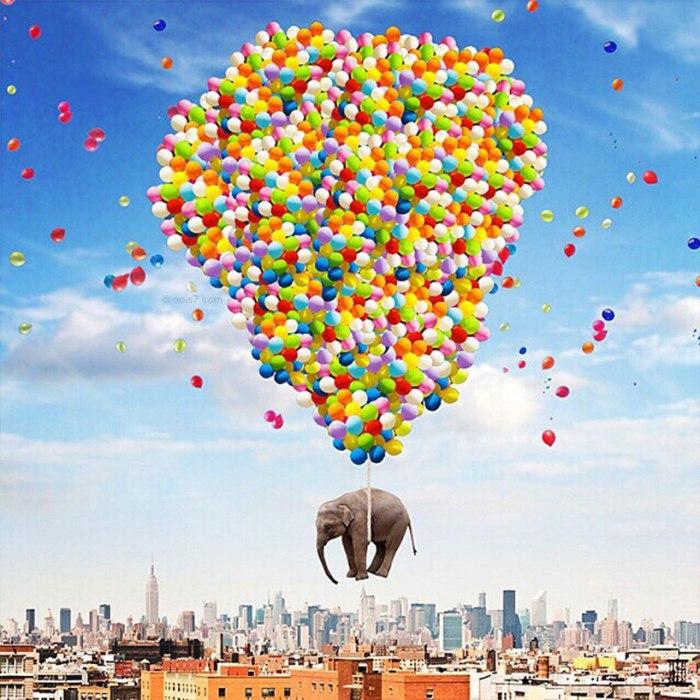 Слон над Нью-Йорком. Автор: Robert Jahns.