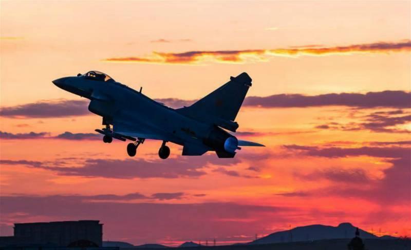 Смертоносный сюрприз для палубной авиации ВМС США от китайской «Чэнду». Сокрушительный удар «Стремительного дракона»