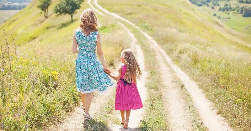 Как рассказать дочери об особенностях женского организма