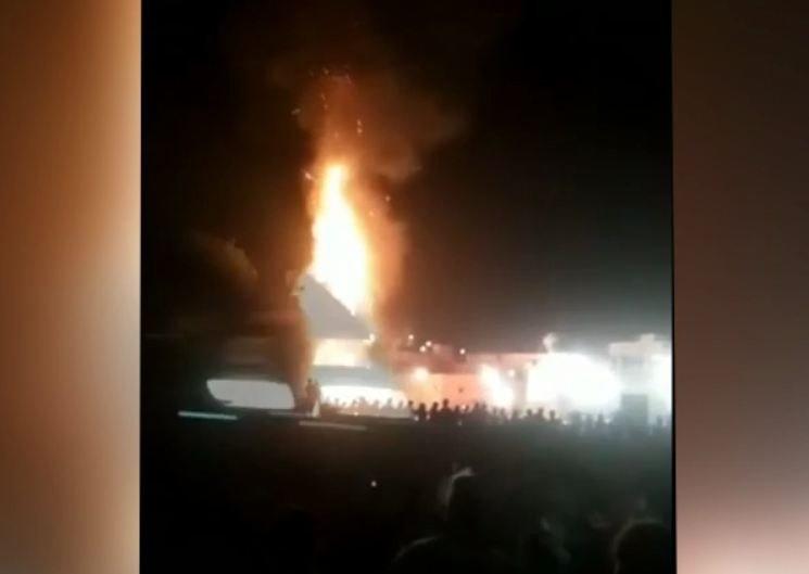 В Индии поезд снес толпу людей на празднике, погибли более 50 человек
