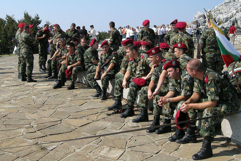 Болгарский патриотизм разочаровал НАТО: Это русские! Не стреляй!