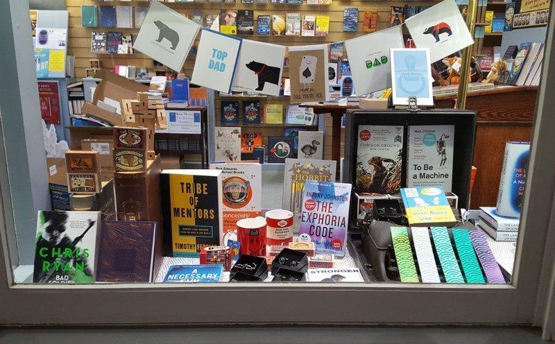 После жалоб на убытки хозяйка книжного магазина вмиг разбогатела