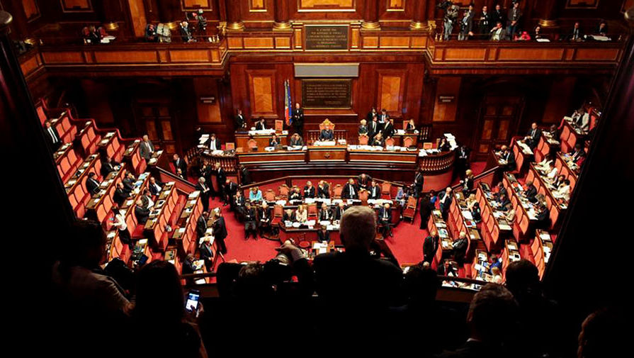Сенат Италии задумался над снятием санкций с России