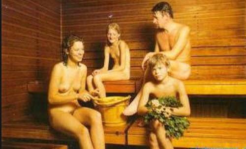 девчонки вместе моются фото