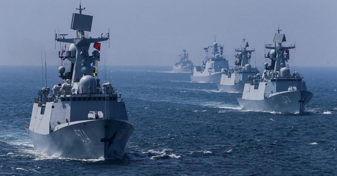 НАТО усиливает военную актив…