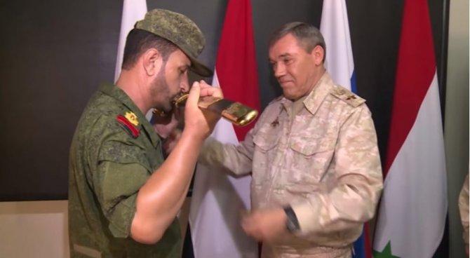 Награждение генерала Сухейла…