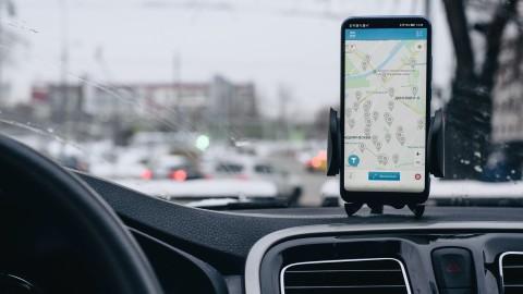 Зачем смартфон в автомобиле?