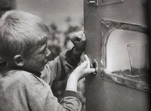 Все проблемы современных детей оттого, что у них нет карбида (6 фото)