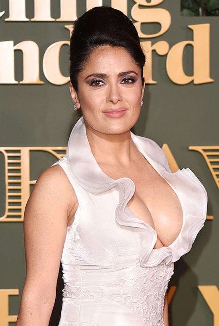 Знаменитые женщины с пышной и натуральной грудью