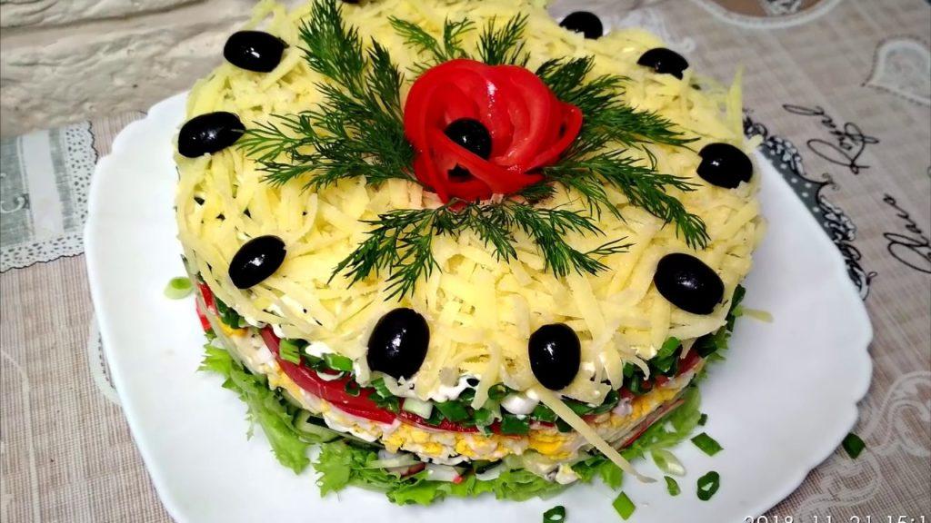 Легкий салат без майонеза «Французский поцелуй»