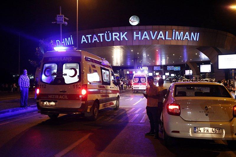 Очевидцы рассказали подробности теракта в аэропорту Стамбула