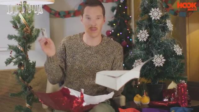 Как нужно реагировать на дерьмовые подарки с Бенедиктом Камбербэтчем