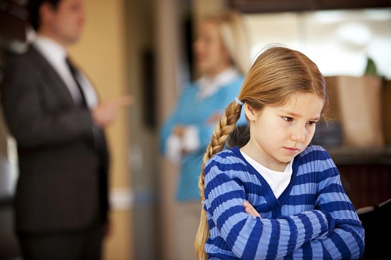 Что делать, если ребенок ворует деньги?