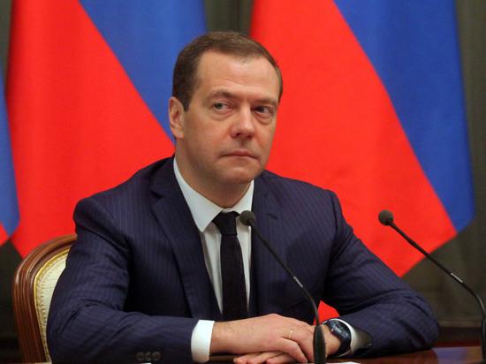 """""""Конкуренция — это вообще-то неплохо"""": Медведев пригрозил разобраться с Белоруссией за демпинг"""