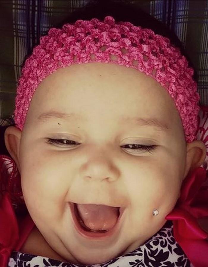 «Это моя дочь, и я решаю, как с ней поступать!» Слова матери, сделавшей 6-месячной дочери пирсинг, возмутили Сеть.