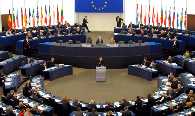 Поддались влиянию США: ЕС все-таки продлил антироссийские санкции