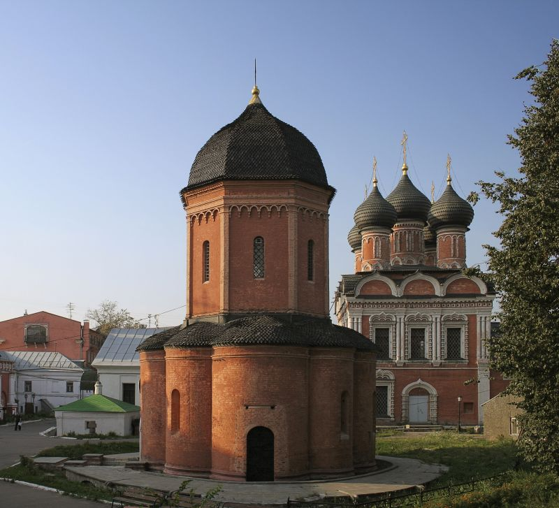 В Москве нашли редкие надгробия XVI века