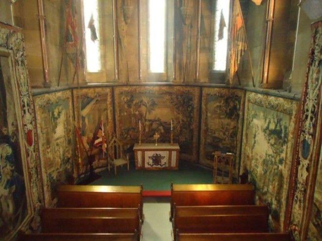 Церковь внутри замка Алник