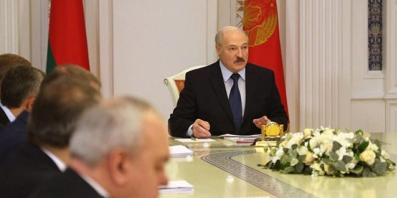 Лукашенко возмутился атакой российских СМИ на Беларусь