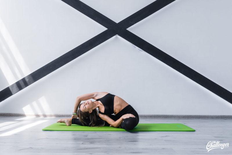 6 упражнений, которые улучшат растяжку и помогут сесть на шпагат. Изображение номер 5