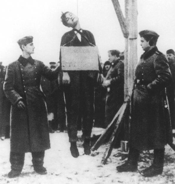Порно зоя в плену у немцев фото 446-35