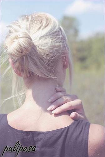 Блондинка с каре на аву в вк
