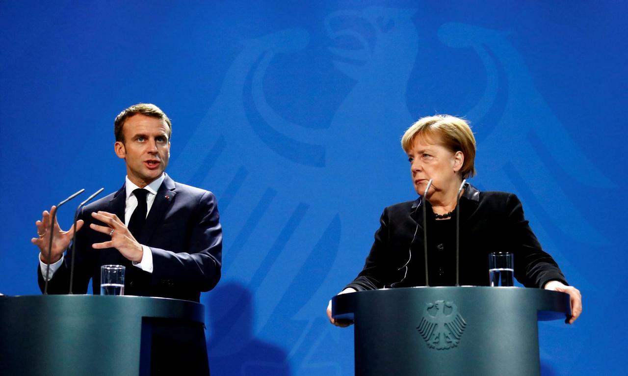 Макрон и Меркель воплощают сталинские заветы