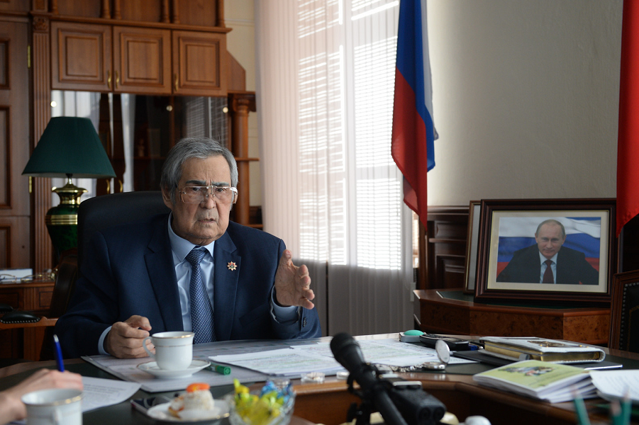 Пожар в «Зимней вишне» привел к отставке губернатора Тулеева
