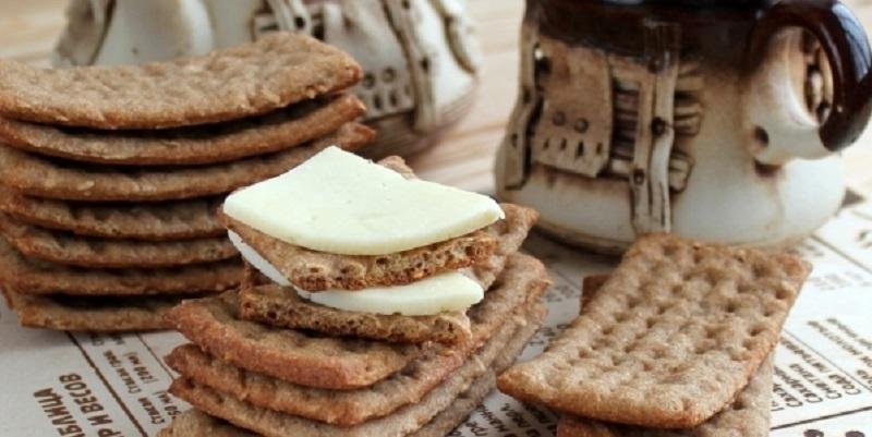 Хлебцы из цельнозерновой муки: основа для закусок и бутербродов