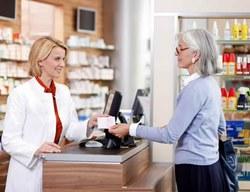 Новый закон заставит аптеки предлагать пациентам дешевые аналоги лекарств