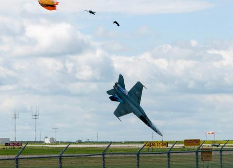 самолет терпит крушение