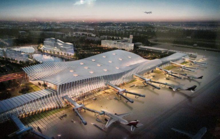 Экс-министр транспорта Украины: Россия построила в Крыму фантастический аэропорт