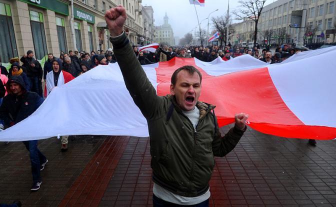 Москва, надеясь на «украинскую прививку», потеряла молодежь Белоруссии