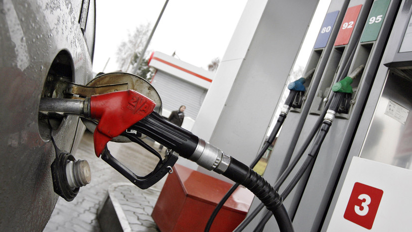 Топливное затишье: сможет ли правительство вместе с нефтяными компаниями удержать стабильные цены на горючее в России