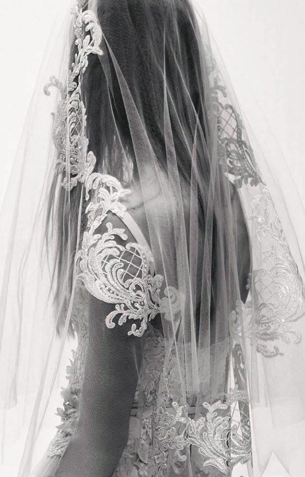 Elie Saab коллекция свадебных платьев и аксессуаров  весна 2017 - нежная красота в черно-белой гамме