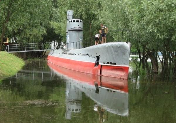 Угон подводной лодки или все за водкой