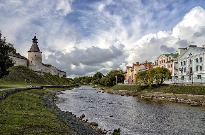 Один из самых красивых и древних городов России.
