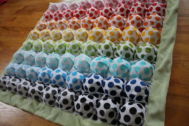 Из чего сшить одеяло бонбон