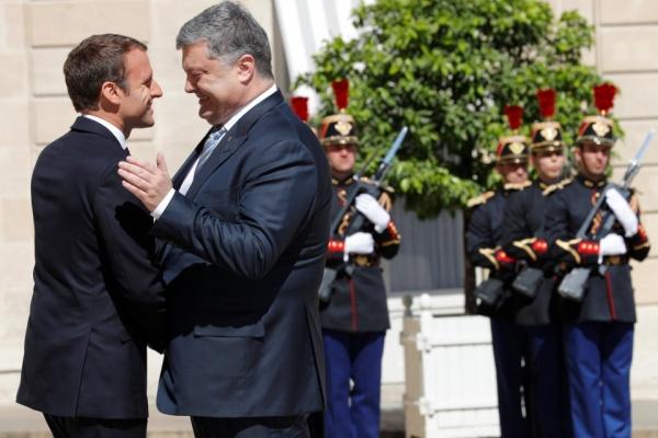 Киев пытается заручиться поддержкой Франции в саботаже Минских соглашений