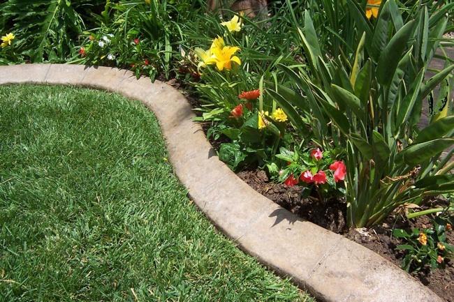 Как сделать бетонные бордюры для клумб и садовых дорожек