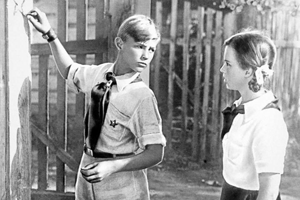 """Самарские детдомовцы учили Женю из фильма """"Тимур и его команда"""" переплывать Волгу и воровать яблоки"""