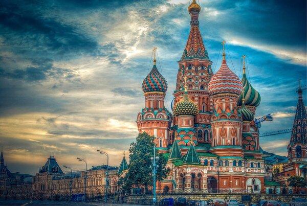 Православный символ России: храм Василия Блаженного