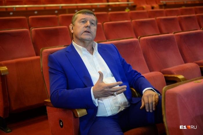 «На экранах — проститутки и бездарные фурии»: автор блатных песен Новиков поддержал введение цензуры